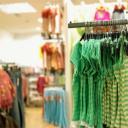 roupas-vista-prateleira-roupa-loja-stk325534rkn.jpg
