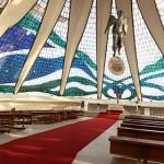 800px-Interior_Catedral_de_Brasília_