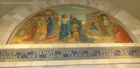 Jesus ressuscita Lázaro. Imagem da Igreja de Bethânia, casa de Lázaro.