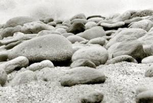 As pedras grandes e o vaso