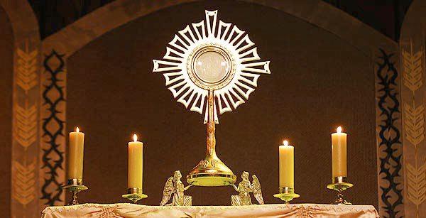 Resultado de imagem para jesus eucaristico