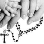 Por que devemos rezar o rosário em família?