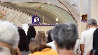 12 regras de ouro para portar-se bem durante a Missa