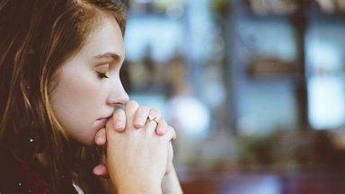 Um breve guia para saber como rezar