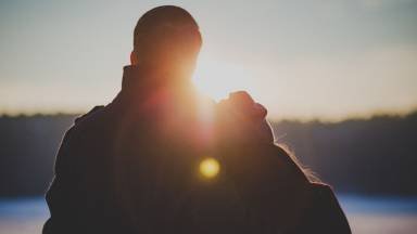 Namoro santo é possível