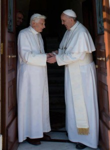 Bento XVI retorna ao Vaticano