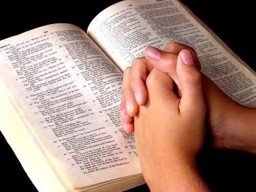 Persevere Em Oração Que Deus Irá Cumprir: O Que é Um Grupo De Oração Carismático?