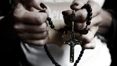 As promessas de Nossa Senhora aos que rezarem o Rosário