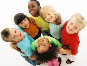 Várias crianças