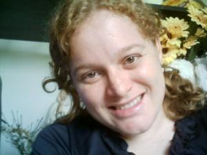 Gilmara sorrindo