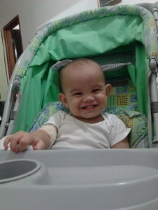bebe sorrindo