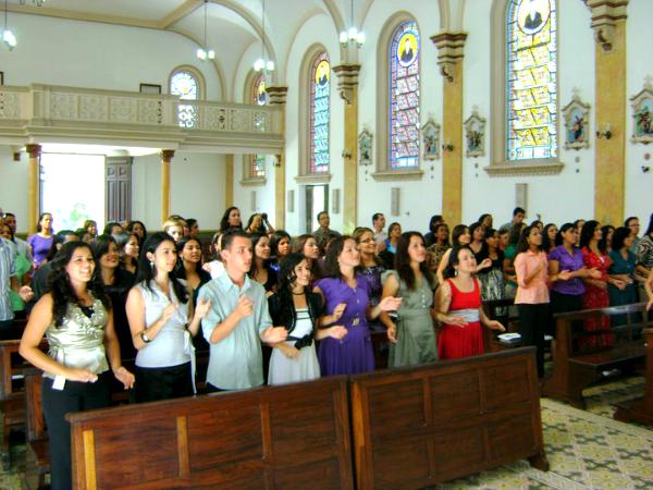 Missionários da Comunidade Canção Nova, em Lavrinhas (SP)