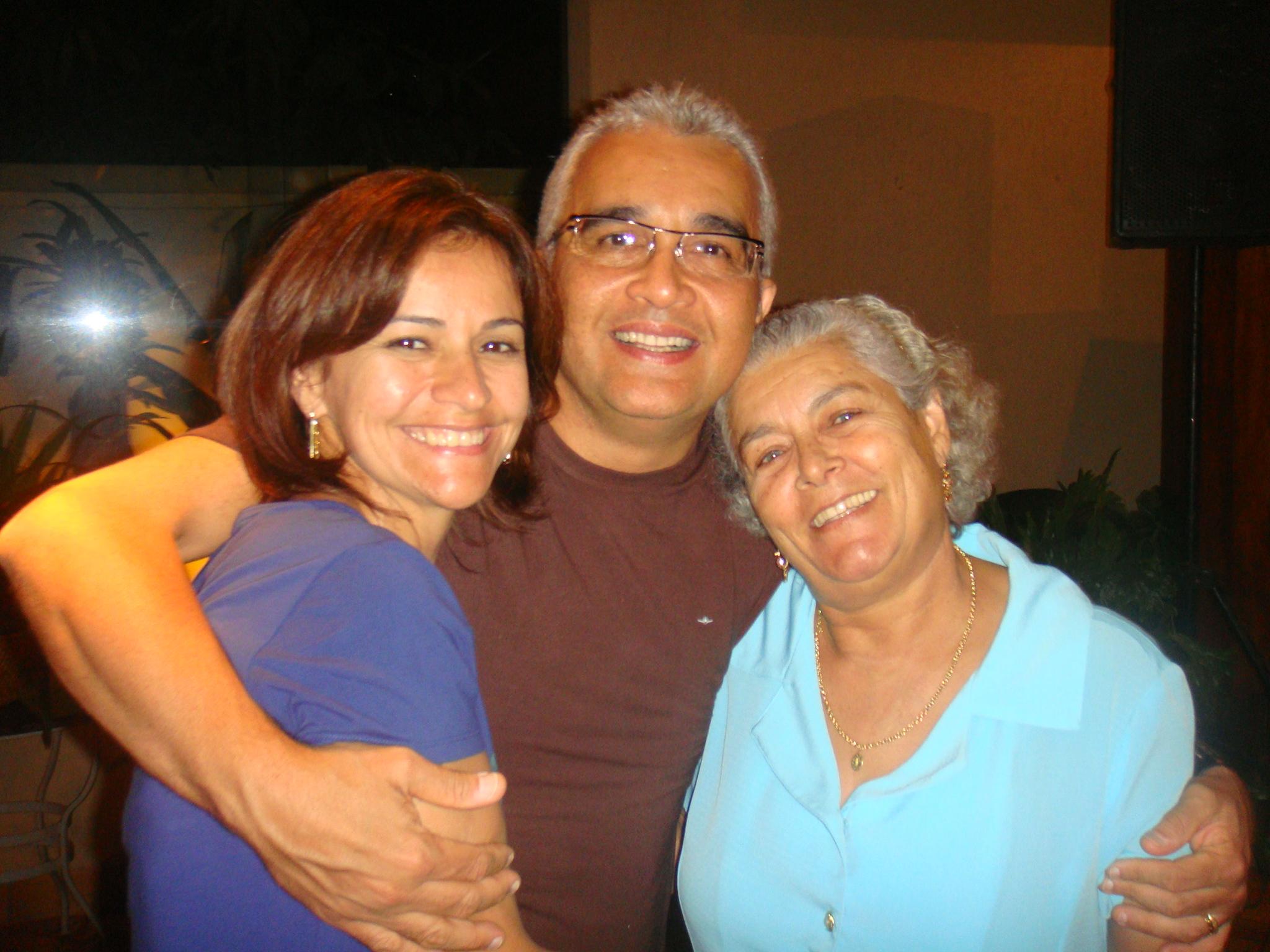Mil beijos para nossa querida vó Maria Ines!