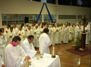 140 padres e 25 diáconos na celebração