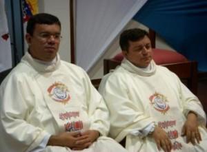 Pe Sávio (Coordenador do Setor Juventude) e Pe Júlio Cesar (Chanceler e Canonista da Curia Arquidiocesana)
