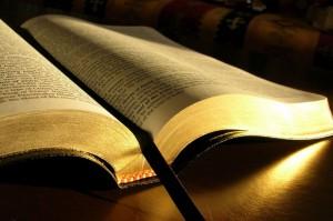 mes da Bíblia