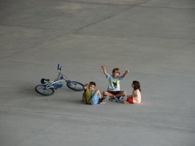 Paulinho, Davi e Tereza, brincando na Canção Nova no Centro de Evangelização