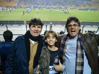 Helinho, Davi e eu no Pacaembu-SP