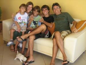 Minha esposa Celina e nossos filhos Samuel, Davi e Hélder