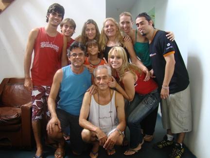 Samuel,Davi, Maria Celina Zoneide, L�gia,João Paulo (em pé); Eu, Helder,Zezinho, Cristiane