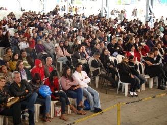 Público superou as espectativas do acampamento. Muitos casais de namorados.