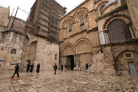 church-of-the-holy-sepulchre1.jpg