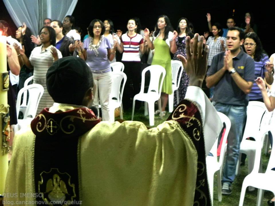Padre Aluizio em sua homilia na Missa de Abertura do Deus Imenso