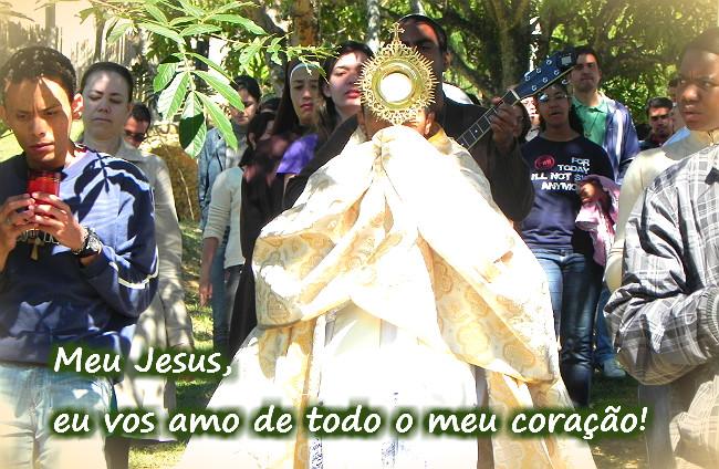 Procissão com Santissimo Sacramento na Casa de Maria - Canção Nova Queluz