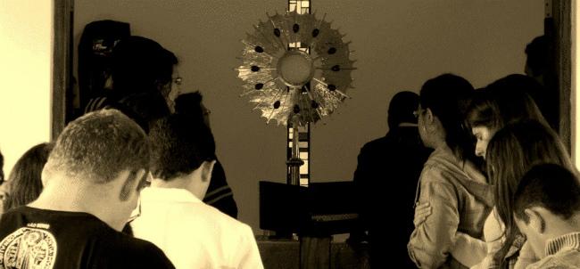Adoracao ao Santissimo Comunitaria