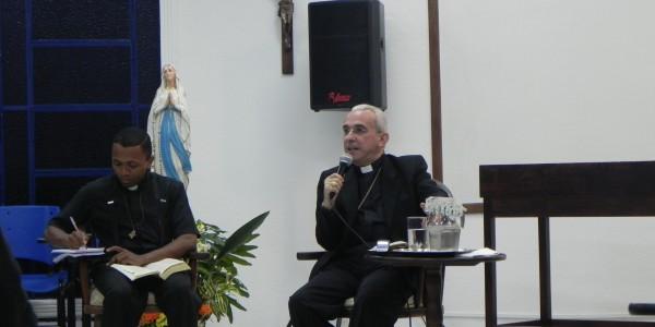 Dom Henrique Visita Casa de Maria