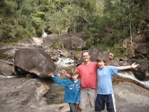 Henrique com os filhos Pedro e Rafael