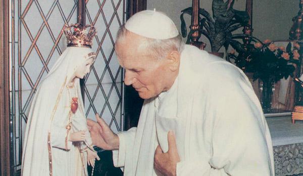 Papa São João Paulo II diante da imagem do Imaculado Coração de Maria