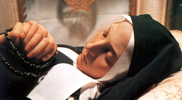 Conheça as mensagens de Nossa Senhora de Lourdes, que continuam a ecoar pelos tempos e têm muito a nos dizer.