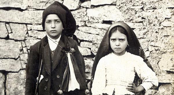 Os beatos Francisco e Jacinta e o premente apelo de Nossa Senhora do Rosário de Fátima à conversão e à penitência pela salvação dos pecadores.