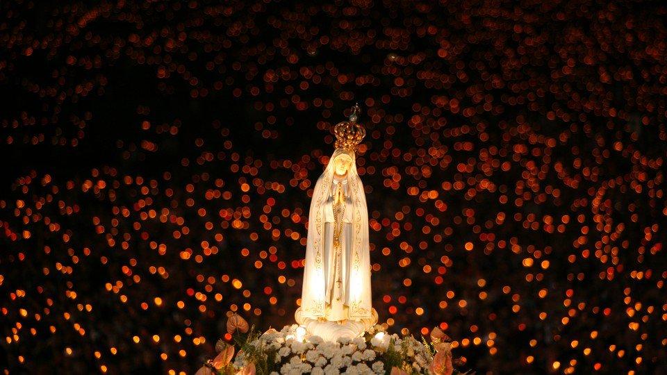Conheça a Confraria do Santo Rosário da Virgem Maria e saiba como ser membro e praticar esta devoção, tão necessária para nosso tempo.