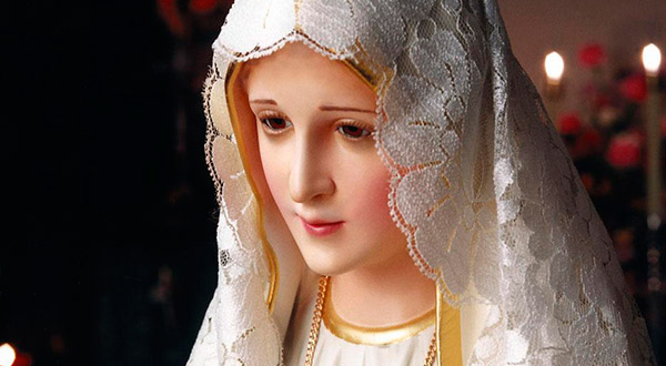"""Tire suas dúvidas sobre o """"Tratado da Verdadeira Devoção a Santíssima Virgem"""", a consagração a Jesus pelas mãos de Maria e a renovação."""