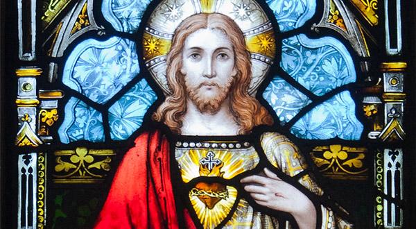 """Meditemos sobre o amor abrasado do Coração de Jesus Cristo por nós: """"In caritate perpetua dilexi te; ideo attraxi te miserans – Com amor eterno te amei; por isso compadecido de ti, te atraí a mim"""" (Jr 31, 3)."""