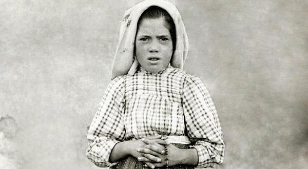 A Irmã Lúcia, vidente das aparições de Fátima, passou por vários sofrimentos, que ofereceu por amor a Jesus Cristo e ao Imaculado Coração de Maria.