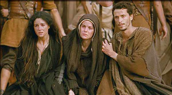 A obediência e as dores de Nossa Senhora no Calvário e a maternidade de dor e de amor sobre todos os homens.